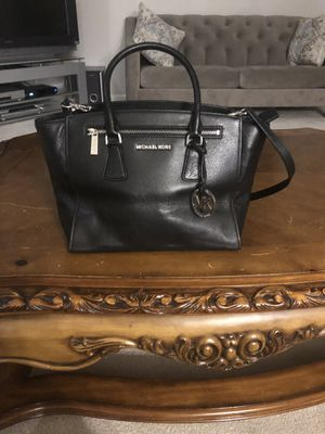 Michael Kors handbag/messanger bag. Cash only please. for Sale in Sterling Heights, MI