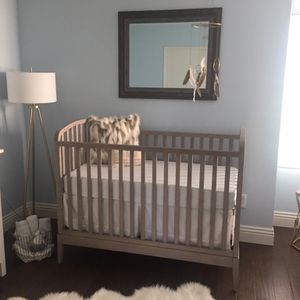 Crate & Barrel Kids - Archway Crib for Sale in San Diego, CA