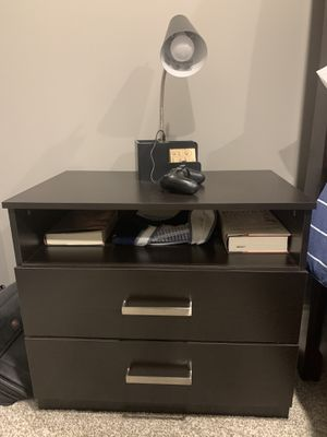 Night Stand/Small Dresser for Sale in Columbia, MO