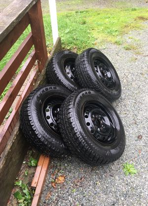 Set of 4 Studded snow tires 195/75R14 for Sale in Seattle, WA