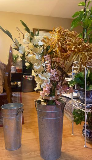 Bunch of artificial Flowers with 2 Vase for Sale in Everett, WA