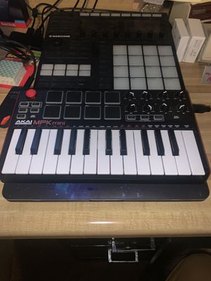 Akai MPK Mini MKII for Sale in Las Vegas, NV