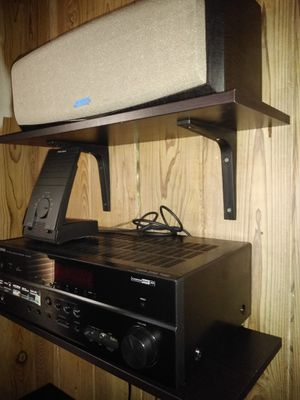 YAMAHA RECEIVER. RX-V573. PLUS 3 SPEAKERS. for Sale in Palm Beach Shores, FL