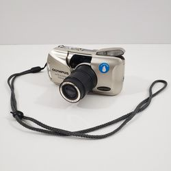 Olympus Stylus Epic Zoom 80 35mm Point & Shoot Camera for Sale in St. Petersburg,  FL