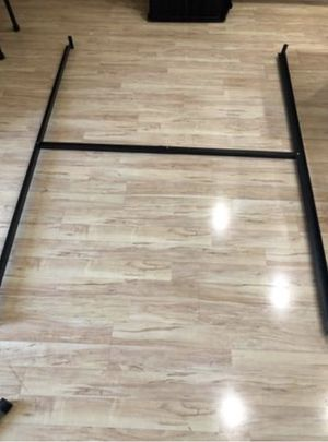 New Queen Size Bed Side Rails & Center Beam Metal Frame Bed Foundation for Sale in Elk Grove, CA