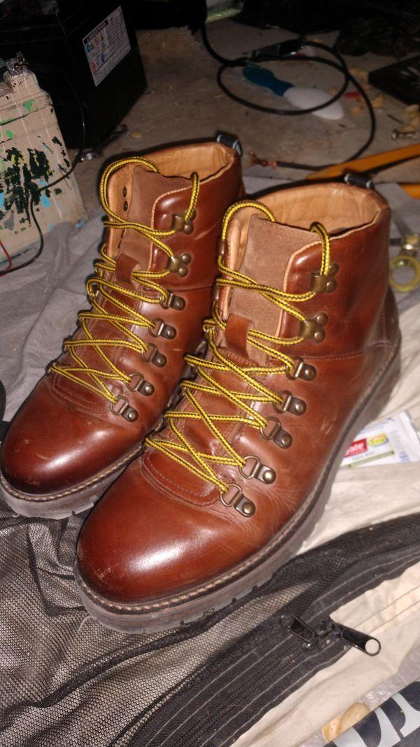 Shoe the Bear hiking boots