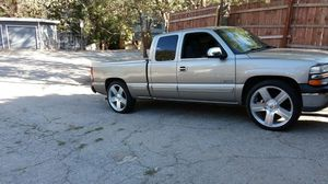 1999 chevy silverado 1500 for Sale in Twin Peaks, CA