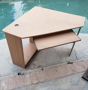 Desk for Sale in Shafter, CA