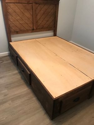 FULL SIZE CHEST BED (MATTRESS INCLUDED) for Sale in Long Beach, CA