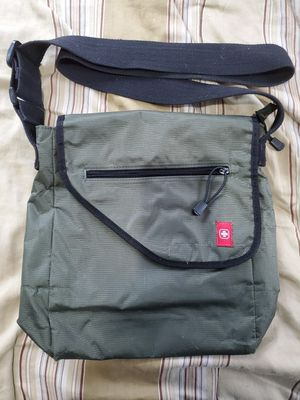 Swiss gear shoulder bag for Sale in Tacoma, WA
