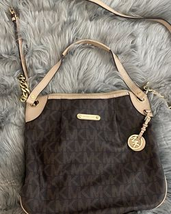 Michael Kors Messenger Bag for Sale in Anaheim,  CA
