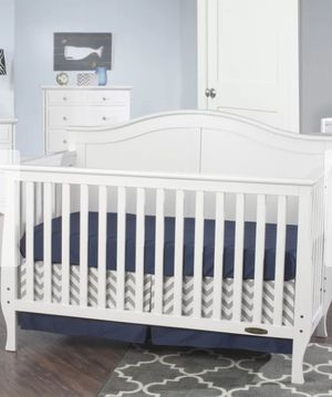 4-in 1 baby crib it also comes with a brand new mattress that still has the plastic on it. My daughter slept in it all of 5 times for Sale in Las Vegas, NV
