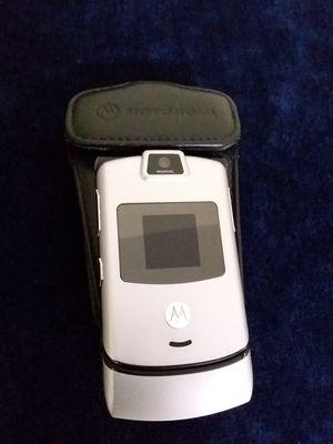 Verizon Motorola RAZR V3M GSM Flip Phone with pouch for Sale in Portland, OR