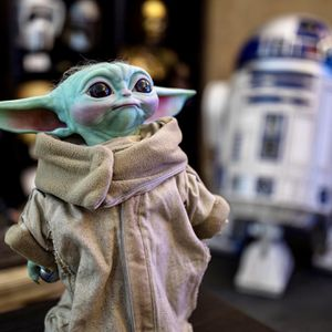 Sideshow Life-Size The Child - Baby Yoda Statue 1:1 for Sale in Ontario, CA
