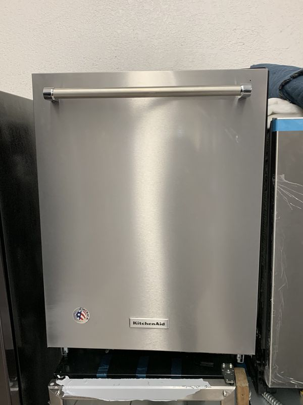 "KitchenAid 24"" Dishwasher"