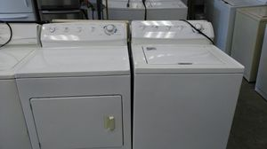 Frigidaire washer and dryer set (white) for Sale in Cleveland, OH