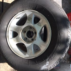 Trailer tire 225 75 15 rim aluminum tire Prime Well for Sale in Tampa, FL