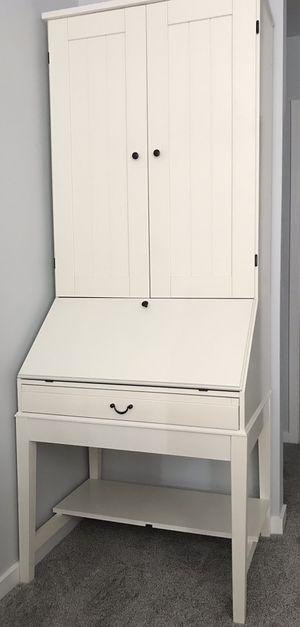 """Desk & Credenza: white, 81"""" (h) x 23"""" (w) x 23"""" (d) for Sale in Chicago, IL"""