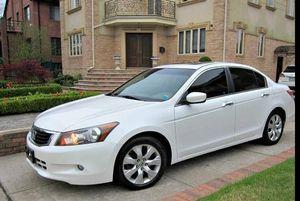 Beautiful 2010 Honda Accord FWDWheels for Sale in Cincinnati, OH