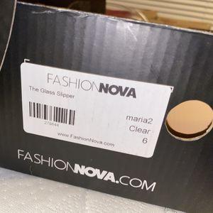 fashion nova heels size 6 for Sale in Elkins Park, PA