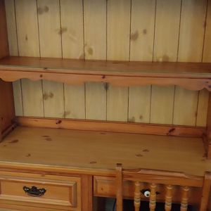 Bedroom Youth Twin Size And Desk W/Hutch for Sale in Franklin Township, NJ