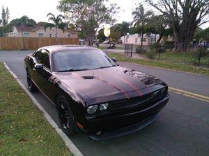 2014 DODGE CHALLENGER R/T 60K MILES for Sale in LAKE CLARKE, FL