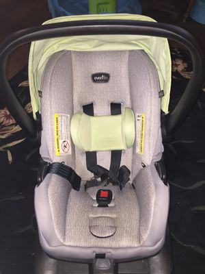 Evenflo Infant Car seat for Sale in Rootstown, OH