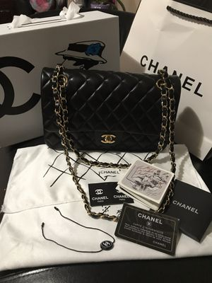 Beautiful lambskin leather chanel bag for Sale in Ontario, CA
