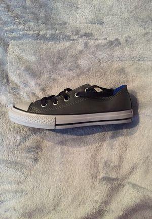 Junior Kids' Converse Leather Chuck Taylor Gunmetal Grey / Trim - Light Grey (Sz 1) for Sale in Fort Washington, MD