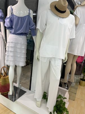 Men white shirt and pants for Sale in Miami, FL