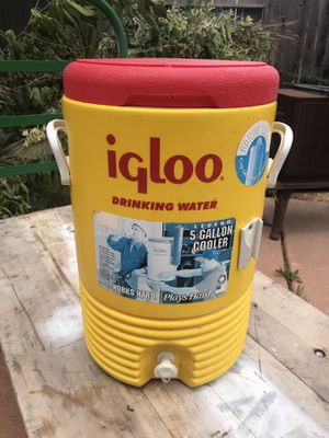 Igloo drinking water 5 gallon cooler yellow red for Sale in Sacramento, CA