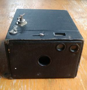 1900's Brownie camera for Sale in Wabasha, MN