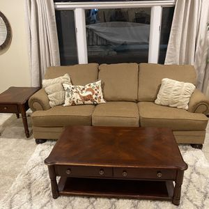 Living Room Set - FREE DELIVERY for Sale in Palatine, IL