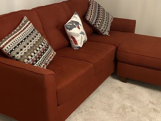 Nice red sofa in excellent condition for Sale in Columbus,  OH