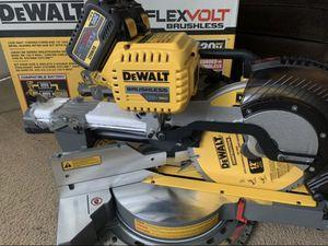 """DEWALT 12"""" FLEXVOLT Dual Bevel Sliding MITER SAW for Sale in Pomona, CA"""