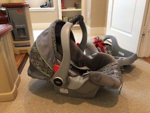 Graco SafeSeat - Base & Carrier - $50 for Sale in Houston, TX