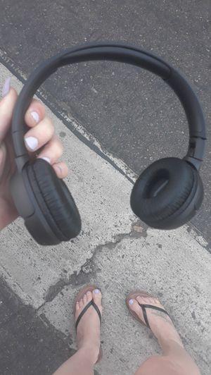 JBL wireless headphones for Sale in Carlsbad, CA