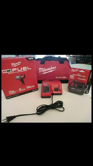 """MILWAUKEE M18 FUEL BRUSHLESS HIGH TORQUE IMPACT WRENCH 1/2"""" WITH BATTERY 5.0AH, CHARGER AND BAG. NEW. NUEVO for Sale in Atlanta, GA"""