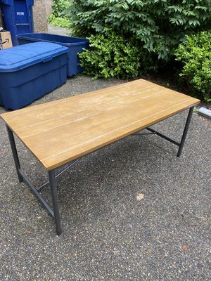 FREE Good Quality Coffee Table for Sale in Auburn, WA