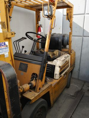 Komatsu Forklift 5000 lb lift capacity 3 stage. Runs very good for Sale in Anaheim, CA