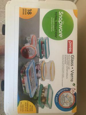 PYREX 18 piece set snap ware for Sale in Chula Vista, CA