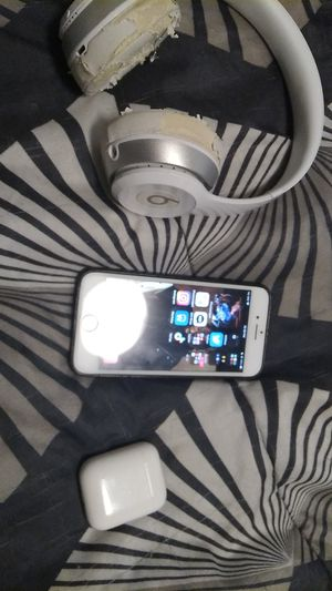 iPhone 8, dr dre beats solo, airpods for Sale in San Diego, CA