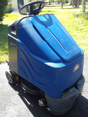Windsor Kärcher Chariot igloss Commercial stand-up ride-on Floor cleaner scrubber burnisher, check all pics Parting out, ask for the part you need. for Sale in Miami, FL