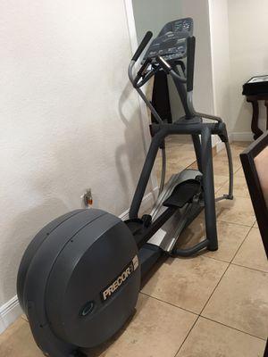 ELLIPTICAL MACHINE (PRECOR EFX 556I) for Sale in Hialeah, FL