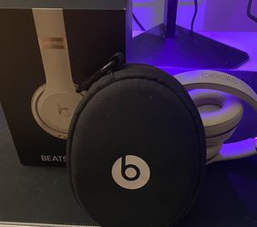 Beats Solo 3 Gold for Sale in Upper Marlboro,  MD