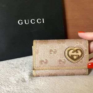 Gucci Guccissima Pink Key Holder for Sale in Las Vegas, NV