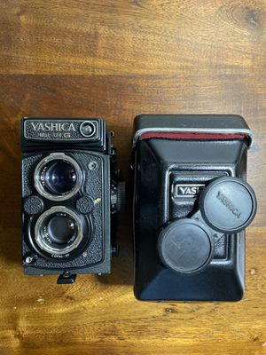 Selling YASHICA Mat 124G!!!! for Sale in Chandler, AZ