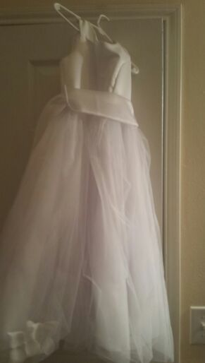 Little Flower Girl Dress Size 6 for Sale in Houston, TX