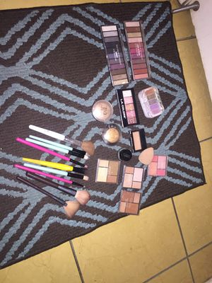 Makeup for Sale in Phoenix, AZ
