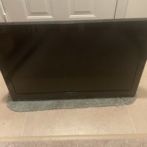 """Panasonic 32"""" Tv With Mount for Sale in Gaithersburg, MD"""